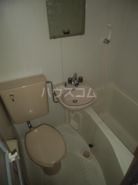 プラザ六浦 102号室のトイレ