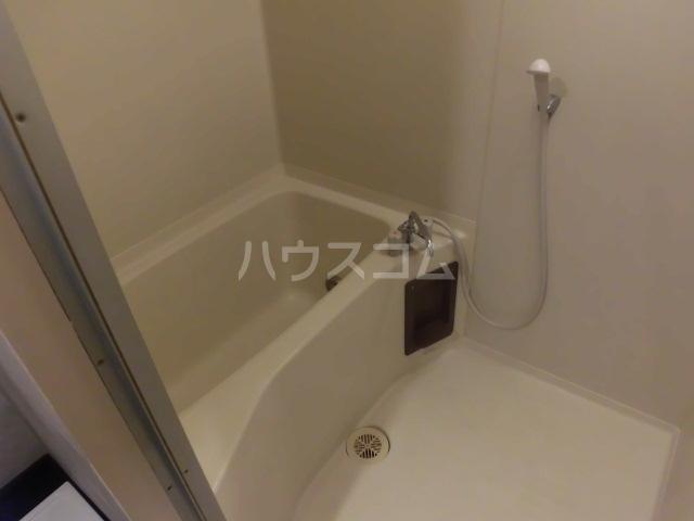 ルミエール所沢 00102号室の風呂