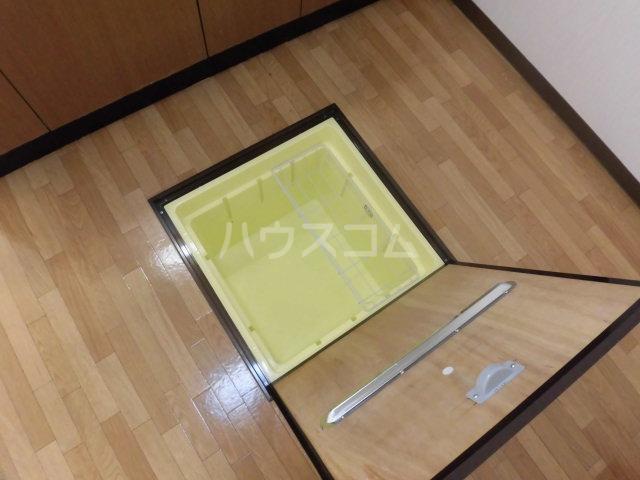シンフォニーマルナカ 00102号室の収納