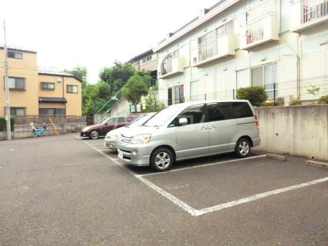 サンシティハイツ東 00203号室の駐車場
