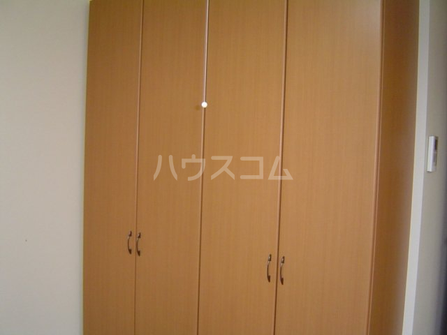 ラ・ルミナス秩父 101号室の居室