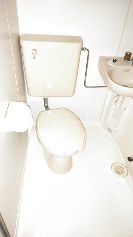 コスモスパジオ浦和常盤 101号室のトイレ