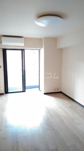 コスモスパジオ浦和常盤 406号室の居室