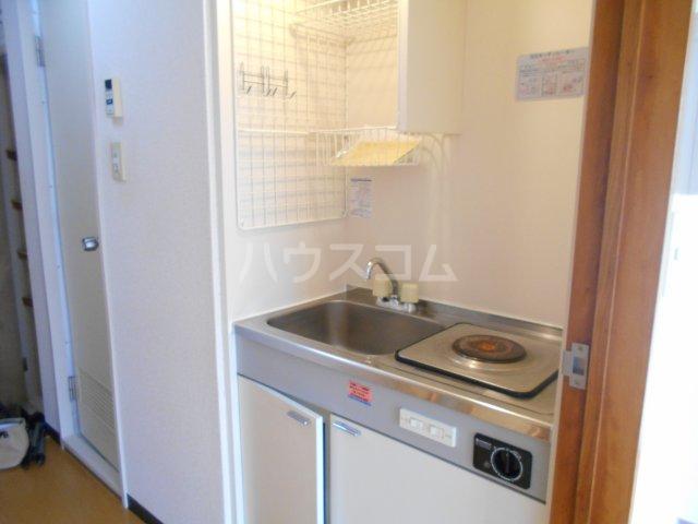 パレ・ドール八王子Ⅲ 201号室のキッチン