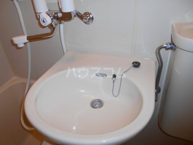 パレ・ドール八王子Ⅲ 201号室の洗面所