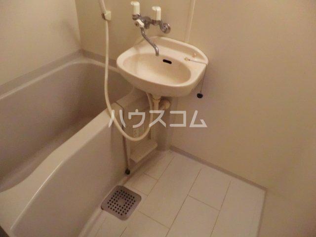 クリア吉塚 202号室の洗面所