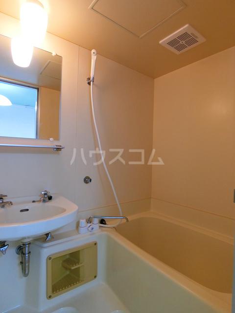 山本ビル(東雲町) 105号室の風呂