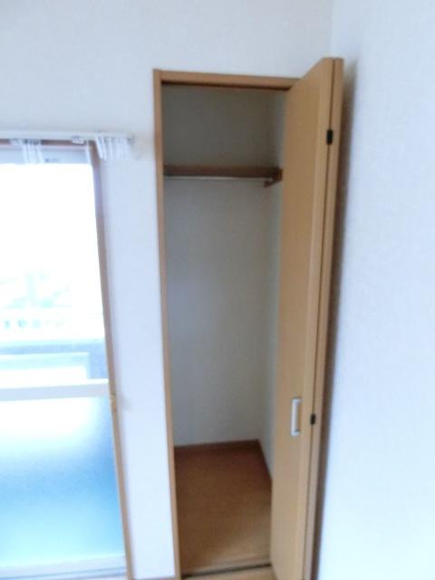 ケアンズコート 205号室の収納