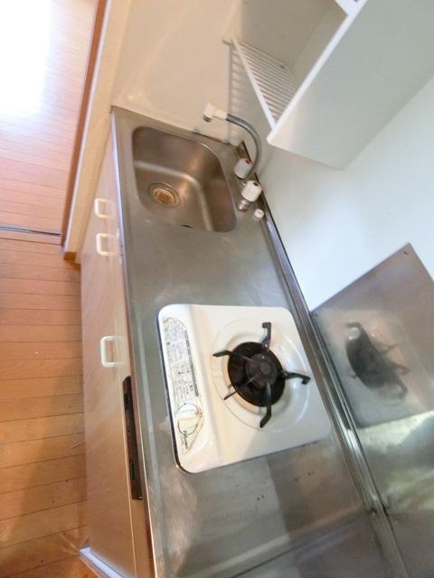 ケアンズコート 205号室のキッチン
