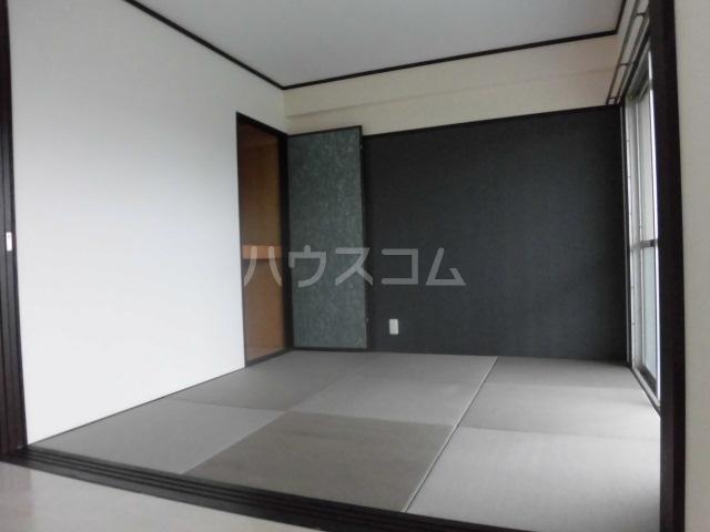 インパルス野間大池 704号室の居室