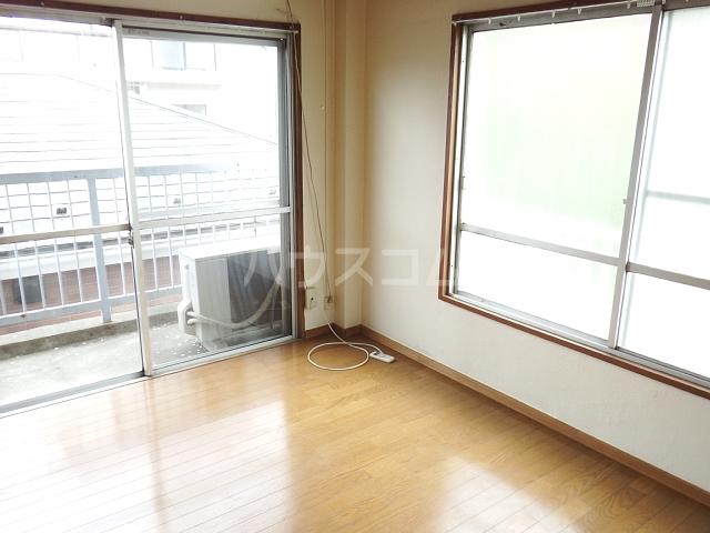 メゾンドマツキ 303号室の居室