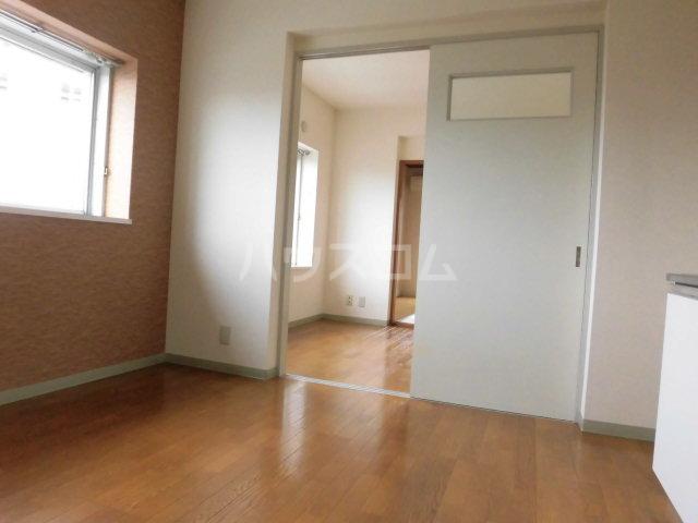 ゆざわマンション 306号室のリビング