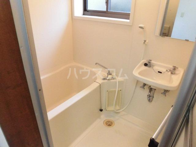 ローズハイツ 101号室の風呂
