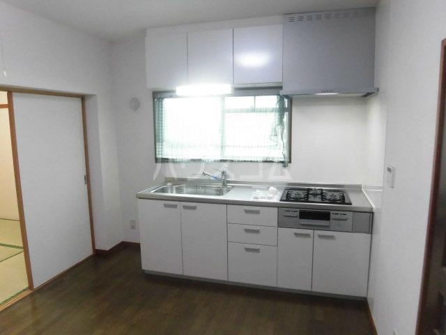 ベルメゾン櫛引 302号室のキッチン