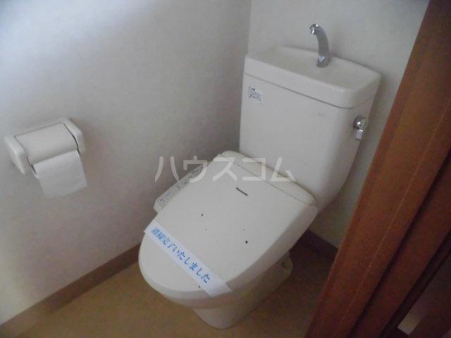ラヴィッサンヴィーⅡ 201号室のトイレ