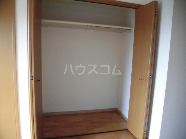 ラヴィッサンヴィーⅡ 201号室の収納