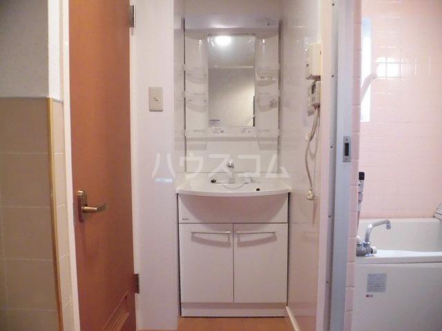 原田マンション 303号室の洗面所