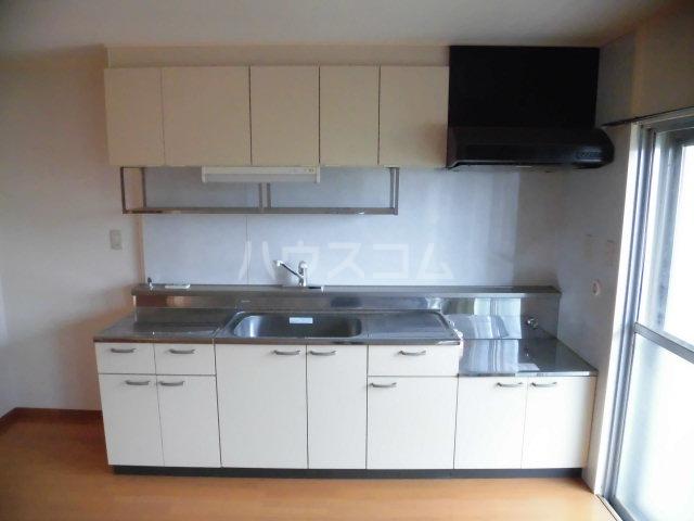 原田マンション 303号室のキッチン