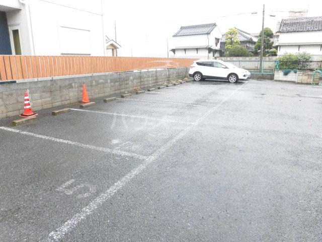 原田マンション 303号室の駐車場