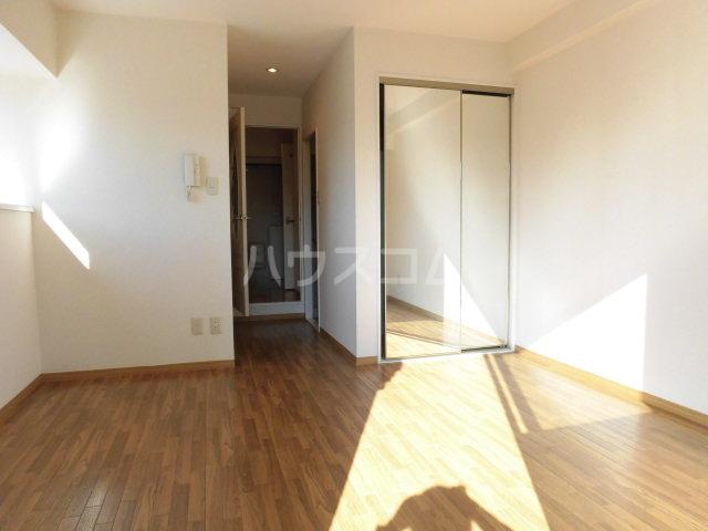 ジェイド・パレス 508号室の居室
