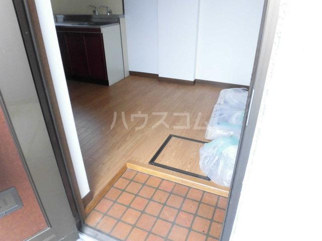 コスモハイツ佐知川 A201号室の玄関