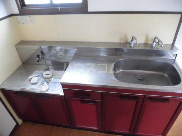コスモハイツ佐知川 A201号室のキッチン
