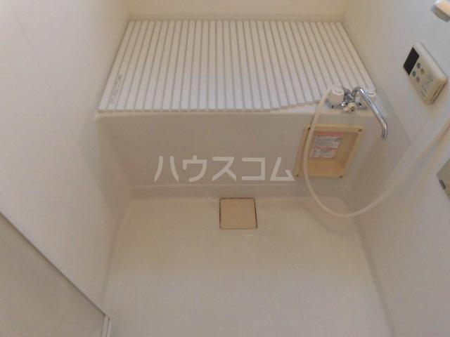 メゾン・プチパレ 203号室の風呂
