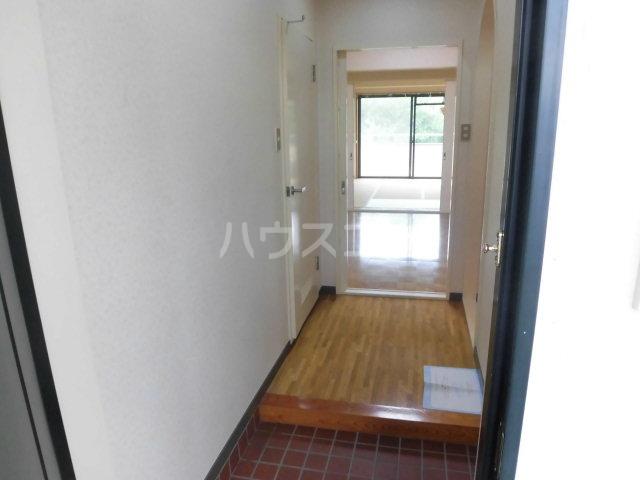 ガーデンヒルズ鐘塚 501号室の玄関