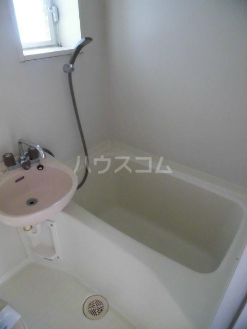 リレント・レオⅡ 202号室の風呂
