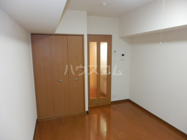 コンフォートマンション仲町 1013号室の居室