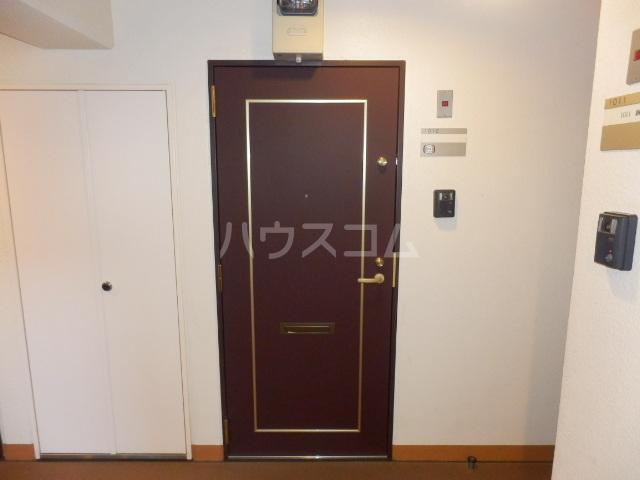 コンフォートマンション仲町 1013号室のエントランス