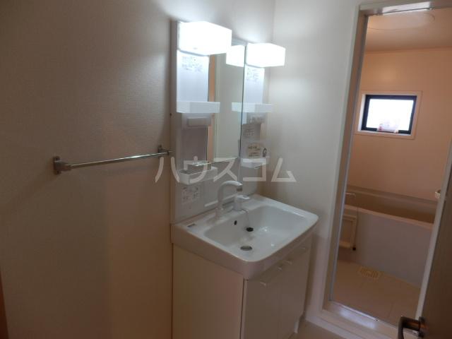 メゾンアルファⅠ 201号室の洗面所