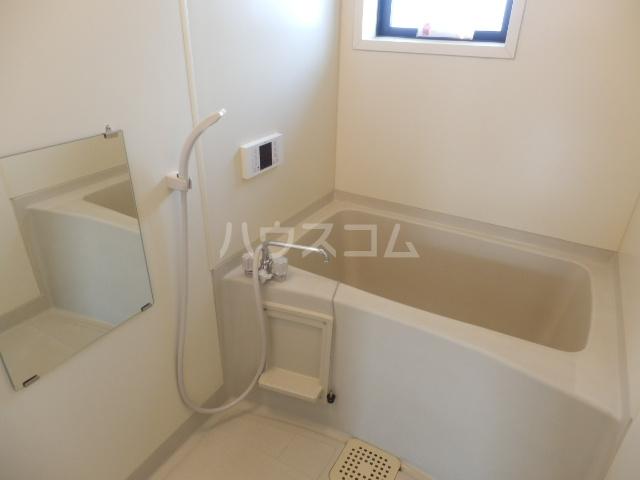 メゾンアルファⅠ 201号室の風呂