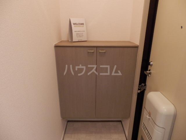 メゾンアルファⅠ 201号室の玄関