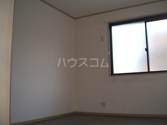 エレガンス松本 101号室の居室