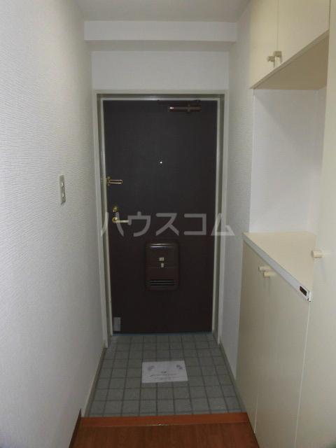 フェリスローマ浦和 406号室の玄関