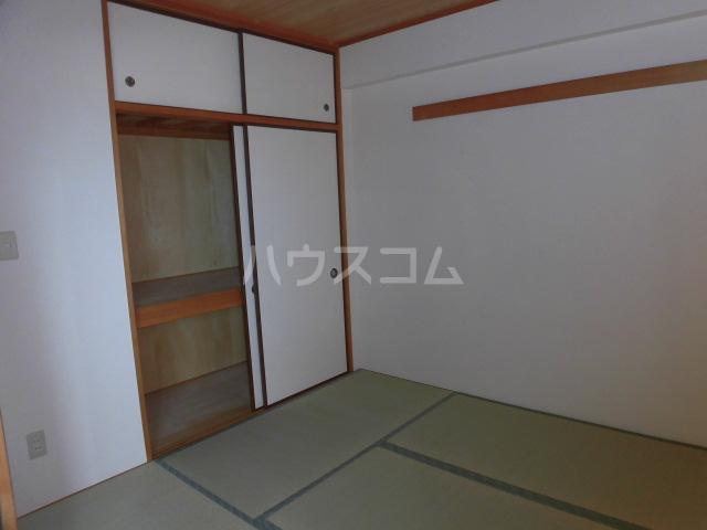 フェリスローマ浦和 406号室の居室