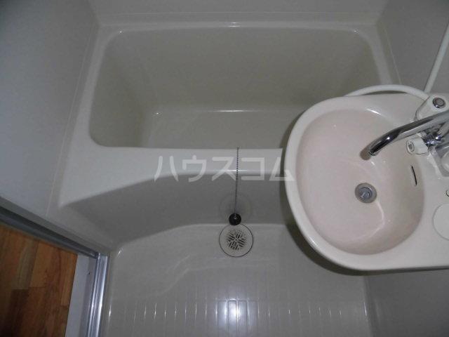 ガーデン・リラ 103号室の風呂