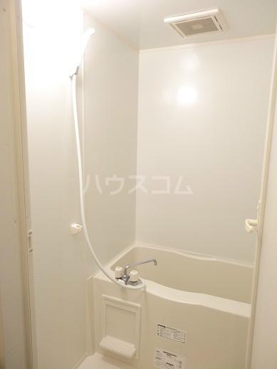 リヴェール 302号室の風呂