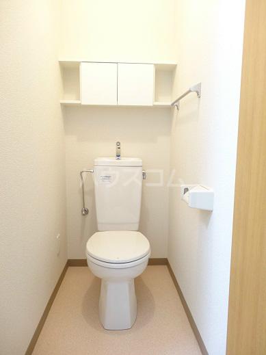 リヴェール 302号室のトイレ