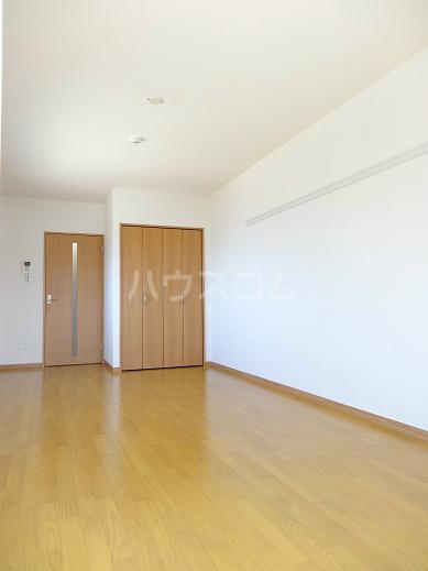 リヴェール 302号室の居室