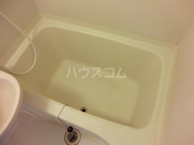 ヴァンベール 203号室の風呂