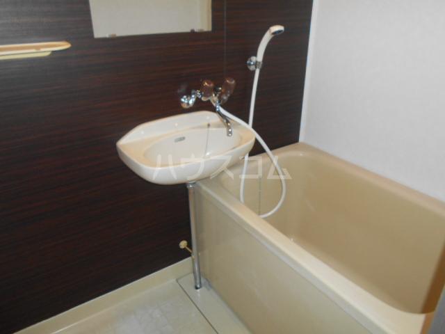 サカエコーポ 1-C号室の風呂