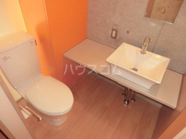 HETRE(エートル) 106号室の洗面所