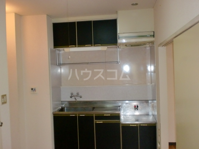スカイハイツ 301号室のキッチン