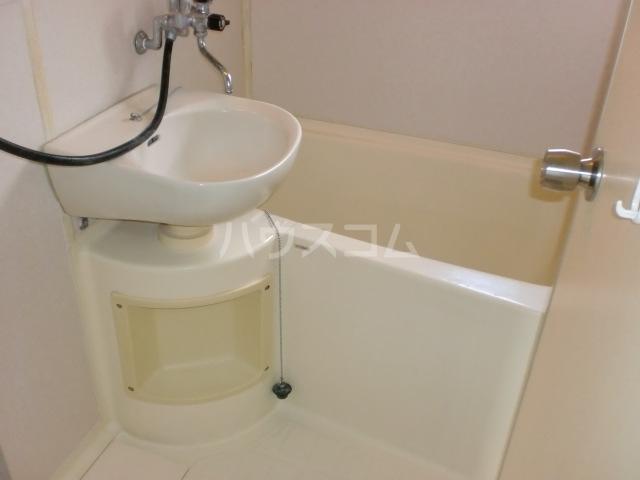 スカイハイツ 301号室の風呂