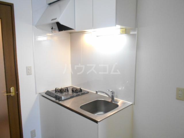 プチィフルール 202号室のキッチン