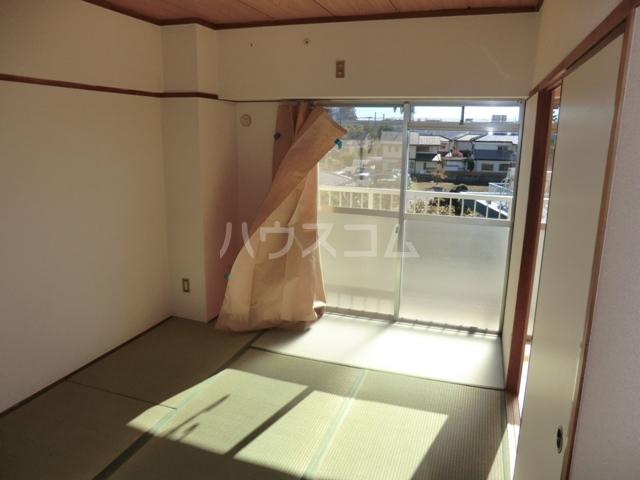 砂サンシャインシティ一番館 506号室の居室