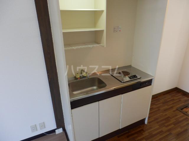 リリーハイムD棟 102号室のキッチン