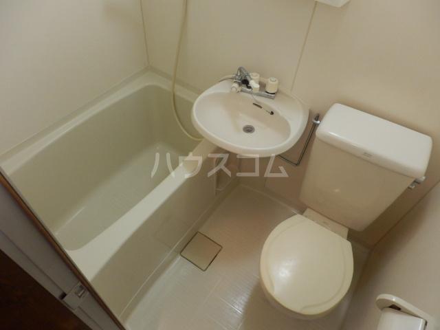 リリーハイムD棟 102号室の風呂